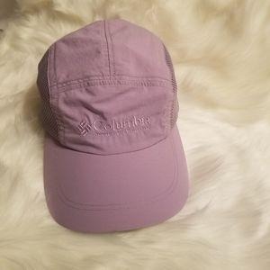 New Columbia Women running Hat